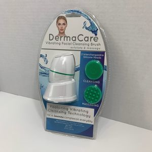 DermaCare Vibrating Facial Cleansing Brush Green